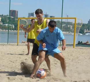 Пляжный футбол фото ростовский футбол